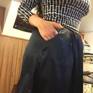 Vera Wang - Navy blue skirt with pockets